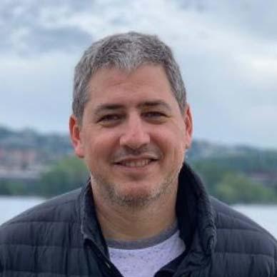Dr. Gustavo Kirszner
